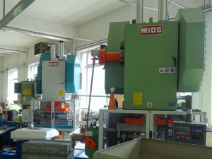 Presses (stamping machines)